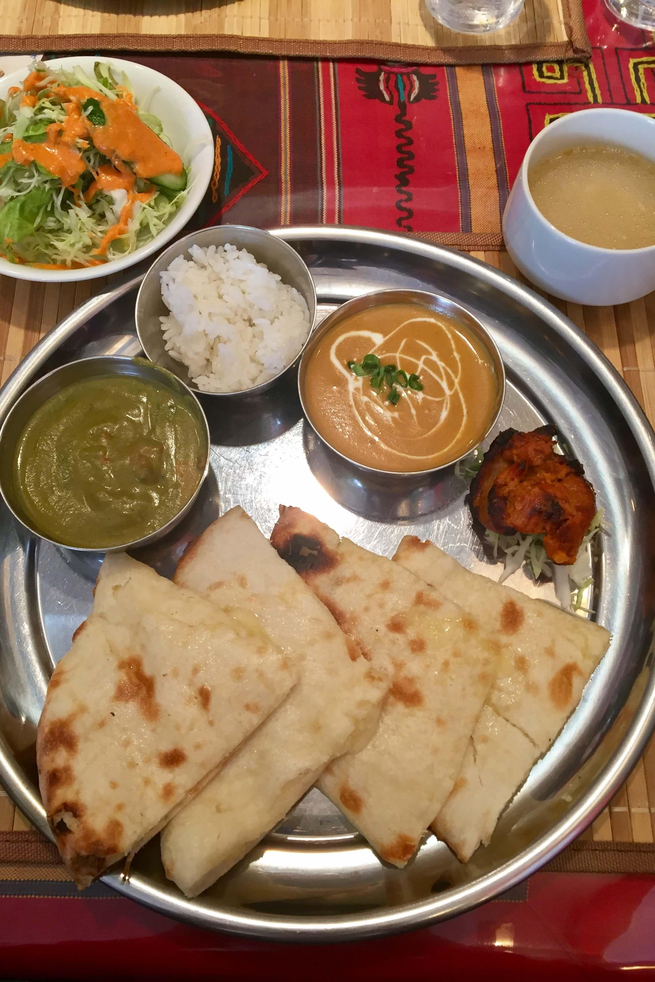 高槻市のインド料理「タージマハルエベレスト」はチーズナンが絶品