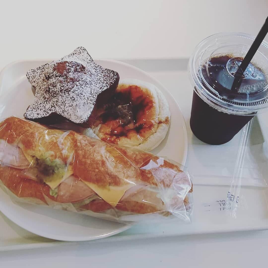 阪急高槻駅直結「ペルフレスコ」は惣菜系から菓子パンまで充実のパン屋