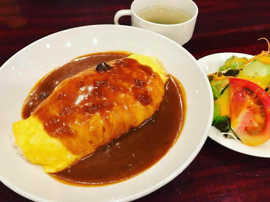 梅田ど真ん中「喫茶Ai」は競馬中継が流れる昭和レトロな空間の喫茶店