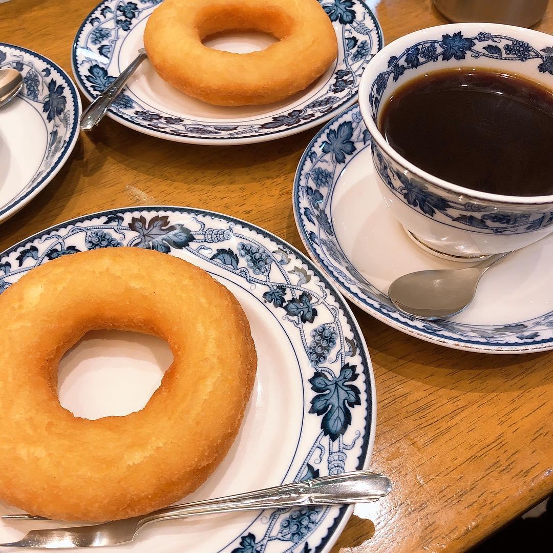 本町駅「平岡珈琲店」創業100年のノスタルジックな哀愁溢れる喫茶店